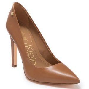 NWT Calvin Klein Nude tan size 8 heels point toe